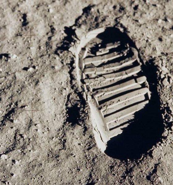 Marca de um dos primeiros passos na Lua, deixada por Buzz Aldrin — Foto: Nasa