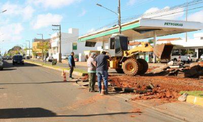 Prefeitura constrói mais uma rotatória na Avenida Dom Antônio (Foto: Divulgação/Prefeitura de Assis)