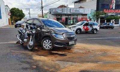 Colisão envolveu carro e moto em cruzamento no Centro — Foto: Conseg Centro-Sul de Presidente Prudente