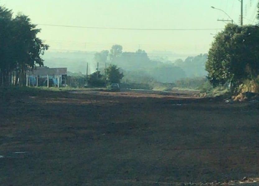 Incêndio criminoso atinge área do Aterro de Inertes em Assis (Foto: Departamento de Comunicação)