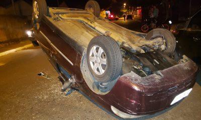 Acidente ocorreu no final da noite desta quinta-feira (20), em uma das principais avenidas de Tupã (SP). — Foto: Corpo de Bombeiros/ Divulgação