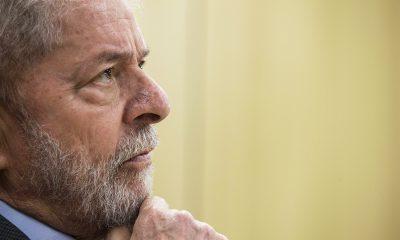 O ex-presidente Lula concede entrevista exclusiva à Folha de São Paulo e ao jornal El País, na sede da Polícia Federal, em Curitiba (PR) - 26/04/2019 (Marlene Bergamo/Folhapress)