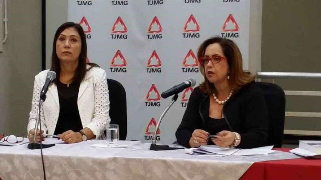 A desembargadora Valeria Rodrigues e a juíza Riza Aparecida Nery apresentaram relatório anual sobre atos infracionais (foto: Paulo Filgueiras/EM/DA Press
