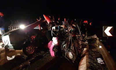 Micro-ônibus e carro se envolveram em acidente perto da praça de pedágio de Jataizinho — Foto: Guilherme Rigon/Rádio Rainha Cornélio Procópio