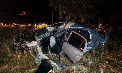 Carro ficou destruído após o acidente (Foto: Divulgação)
