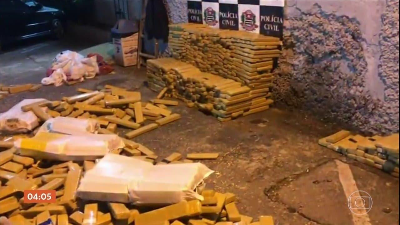 Polícia de SP encontra 1,5 tonelada de maconha escondida num caminhão carregado de milho