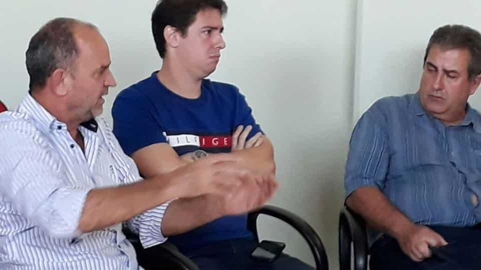 Prefeito de Assis José Fernandes, Vereador Alexandre Cachorrão e o Vice Prefeito Marcio Veterinário estiveram na reunião (Foto: Divulgação)