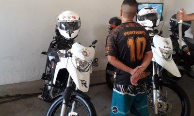 Adolescente de 17 anos é apreendido suspeito de roubar farmácia em Marília (Foto: Polícia Militar)