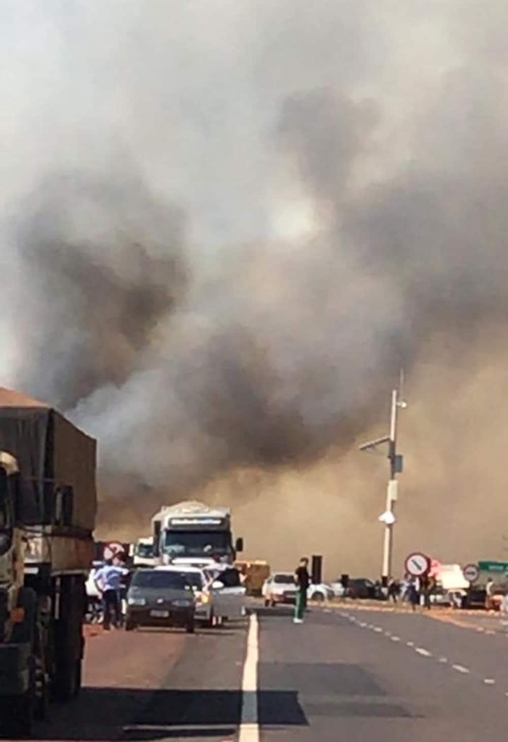 Trânsito ficou lento na via em Florínea (Foto: Gazeta Regional/ Divulgação)