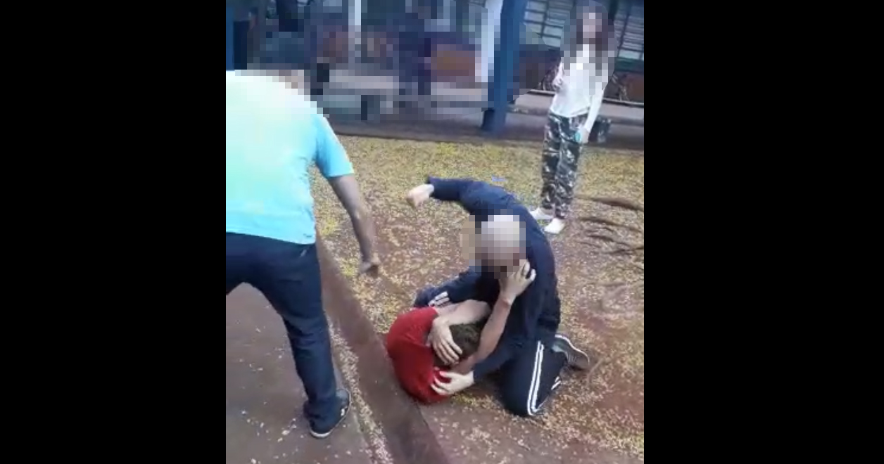 Vídeo mostra briga de alunos em escola estadual de Palmital (Foto: Reprodução)