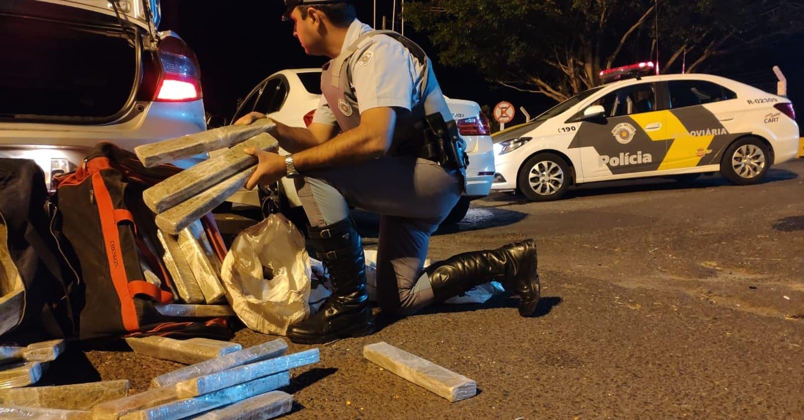 Polícia Rodoviária apreende cerca de 150 kg de maconha na Raposo Tavares em Assis — Foto: Polícia Rodoviária/Divulgação