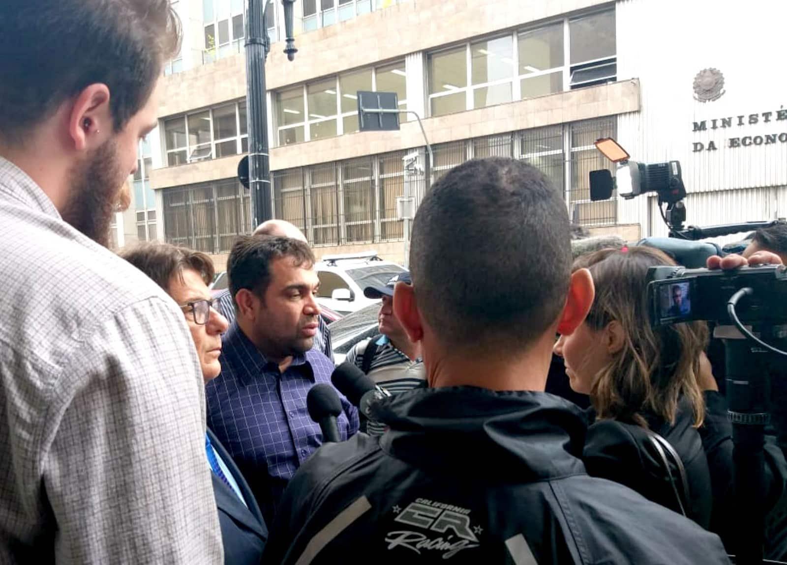 Após ser agredido em Marília, Evandro Santo, ex-Pânico, registra B.O por lesão corporal e homofobia — Foto: Lucas Alves/Divulgação