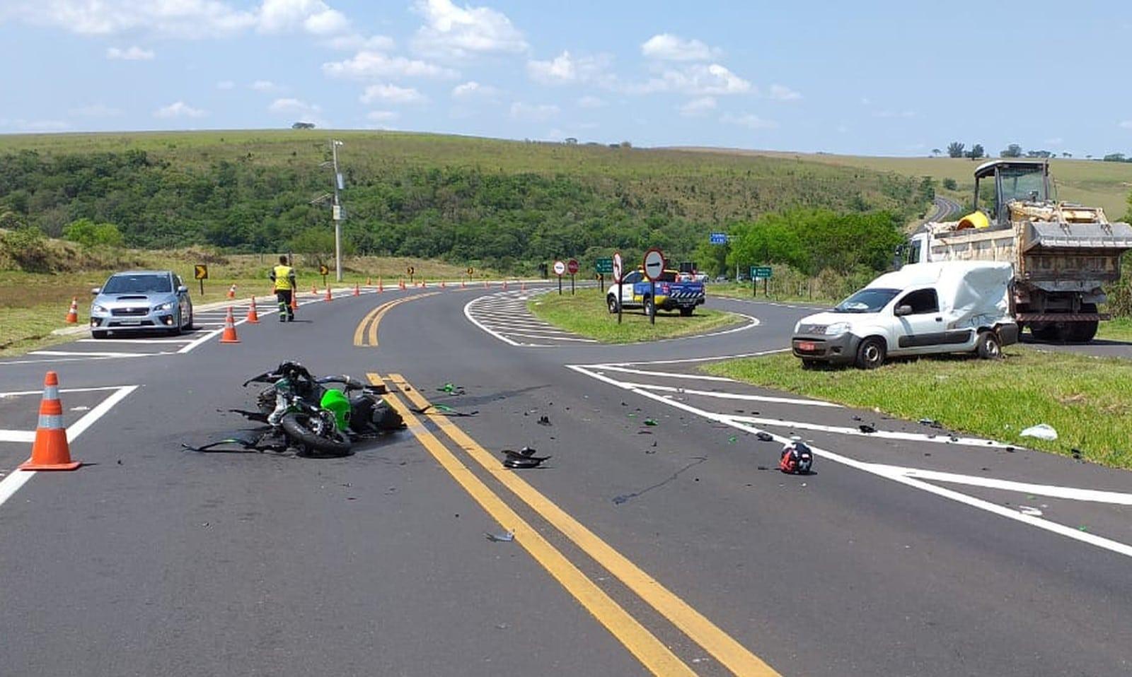 Motociclista morreu após bater na lateral de carro em rodovia de Oscar Bressane — Foto: Arquivo pessoal
