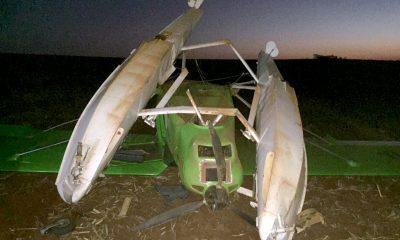 Hidroavião de pequeno porte cai em canavial no interior de SP — Foto: Corpo de Bombeiros/Divulgação