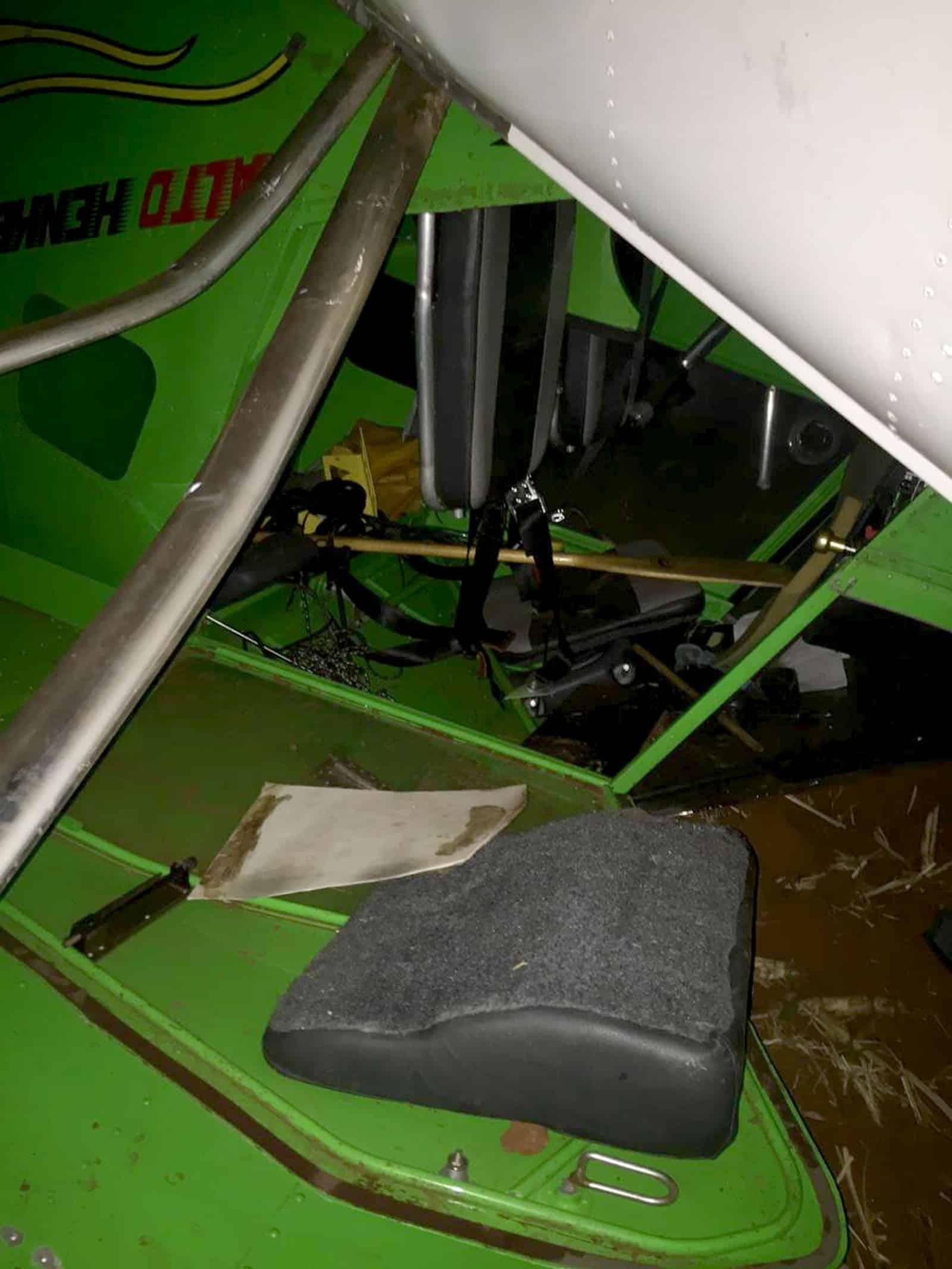 Segundo os bombeiros, piloto não foi encontrado no local do acidente — Foto: Corpo de Bombeiros/Divulgação