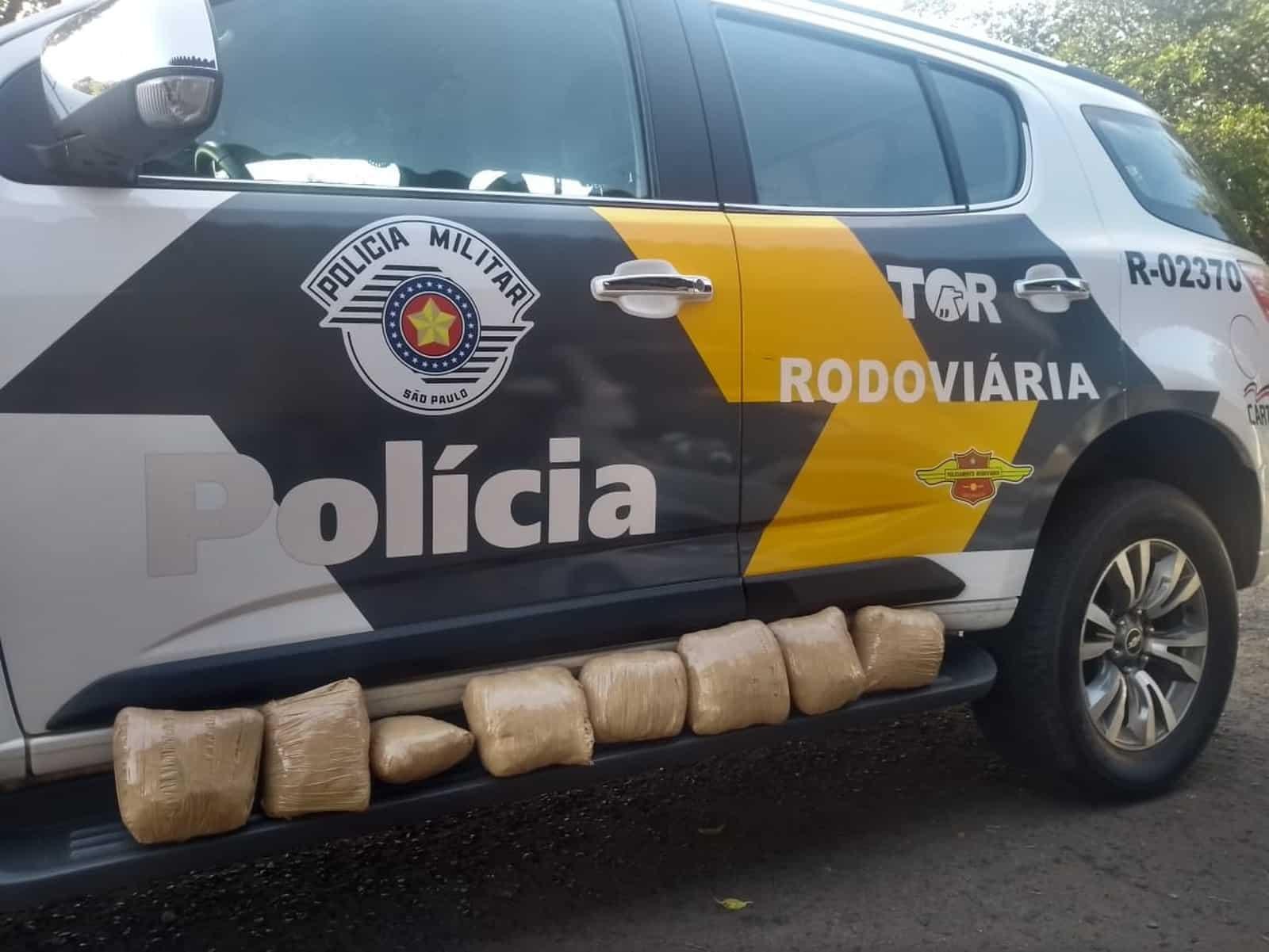 Polícia encontrou oito porções de skank dentro de ônibus em rodovia de Assis — Foto: Polícia Militar Rodoviária/Divulgação