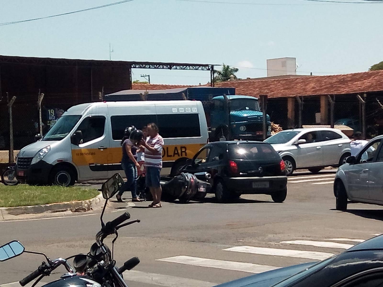Mais um acidente em rotatória da Vila Glória em Assis é registrado (Foto: AssisNews)