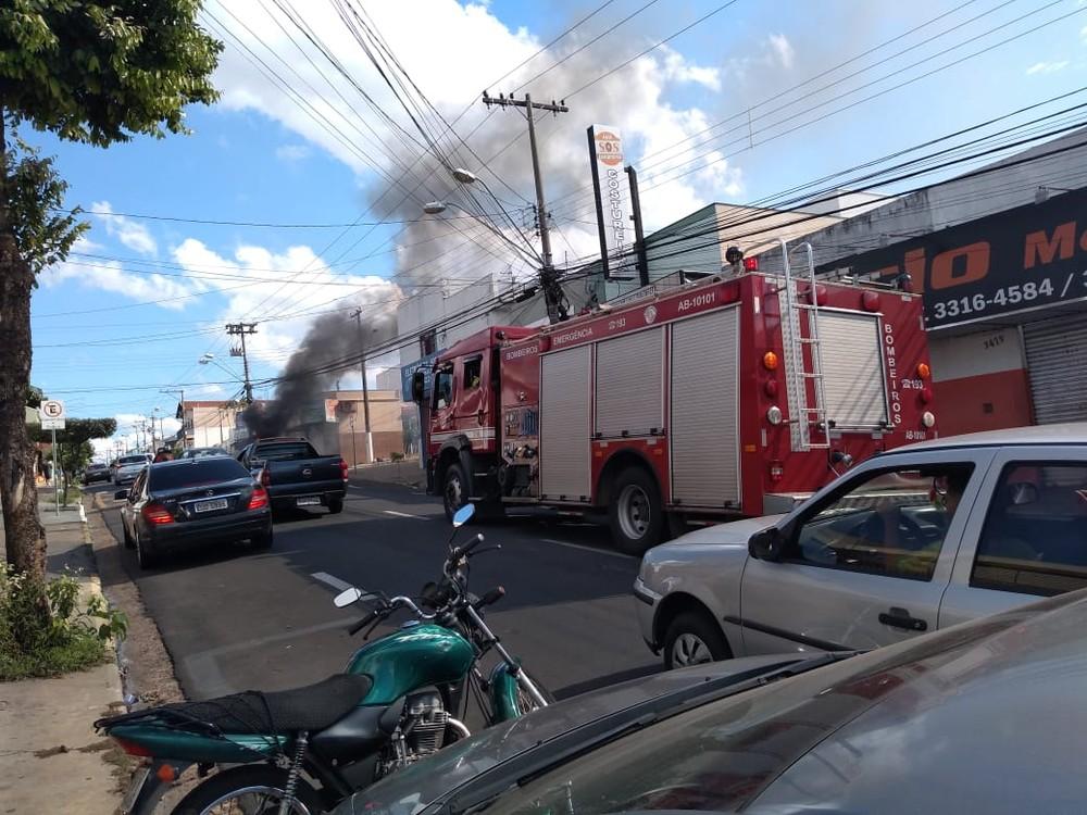 Segundo os bombeiros, fogo foi controlado rapidamente e ninguém ficou ferido em Marília — Foto: Arquivo pessoal/Eduardo Meira