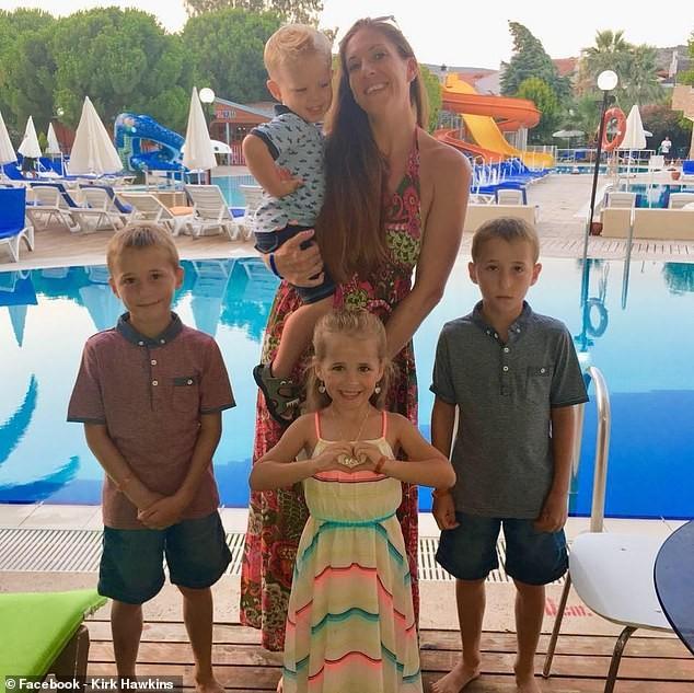 Família estava passando férias no Egito (Foto: Reprodução: Facebook )