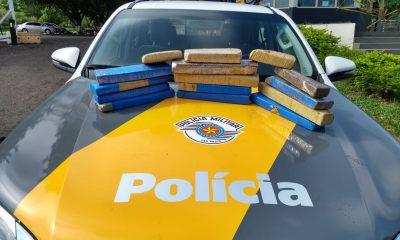 Polícia apreende maconha com passageira de ônibus em rodovia de Assis — Foto: Polícia Rodoviária/Divulgação