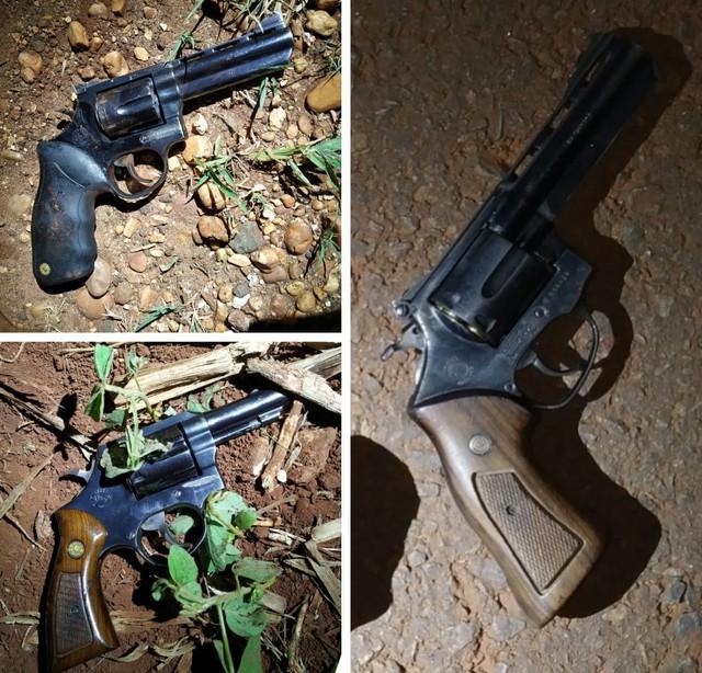 Três armas foram apreendidas com os suspeitos, que foram mortos no tiroteio em Palmital — Foto: Polícia Militar/Divulgação