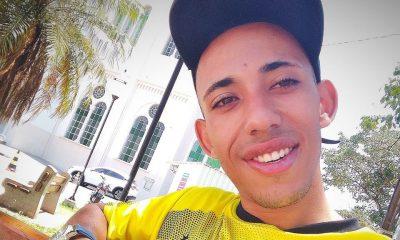 Antônio Vicente Amorim, tem 18 anos e segue internado na UTI (Foto: Reprodução/Facebook)