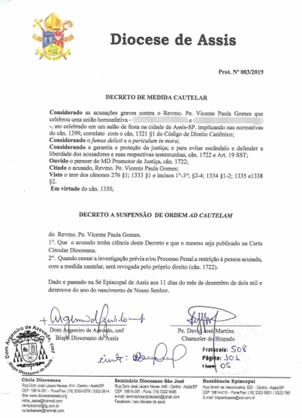 Diocese de Assis divulgou um documento comunicando o afastamento do padre nesta quinta-feira (12) — Foto: Diocese de Assis/Reprodução