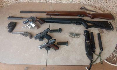 Cinco armas de fogo foram apreendidas — Foto: Guarda Municipal