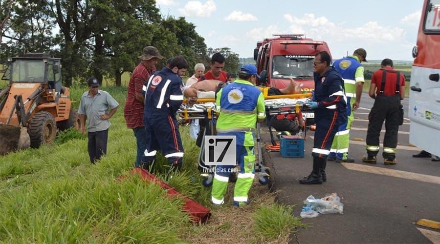 No momento do resgate, pode-se perceber que ele teve várias fraturas expostas no braço esquerdo, além de ferimentos graves no tórax e rosto (Foto: Manoel Moreno)