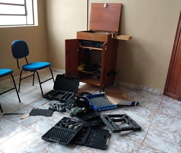 Igreja da comunidade São Francisco é furtada em Cândido Mota (Foto: Reprodução/O Diário do Vale)