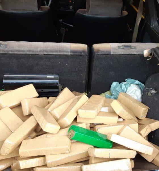 Casal é preso em flagrante com mais de 50 quilos de drogas em Ourinhos — Foto: Divulgação/Polícia Rodoviária Federal