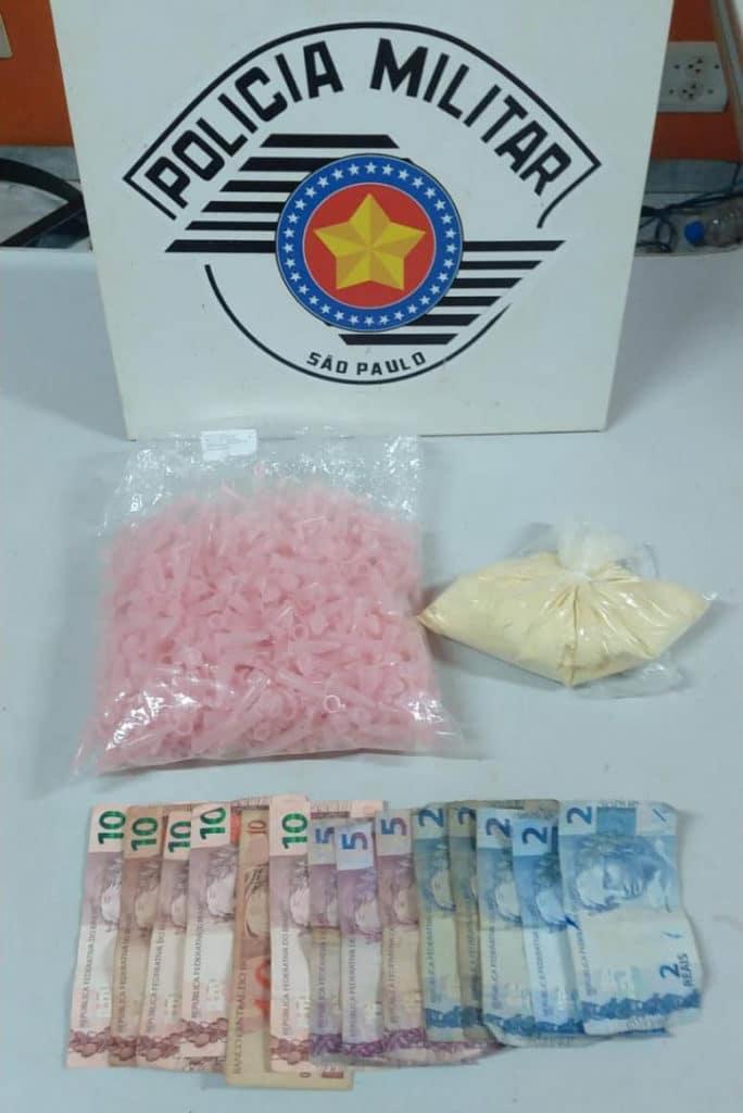 Adolescente é flagrado com porção de 161,5 gramas de cocaína em Palmital (Foto: Reprodução/Jornal da Comarca)