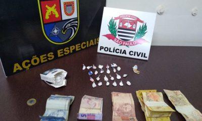 Droga e dinheiro apreendidos durante a operação (Foto: Divulgação)