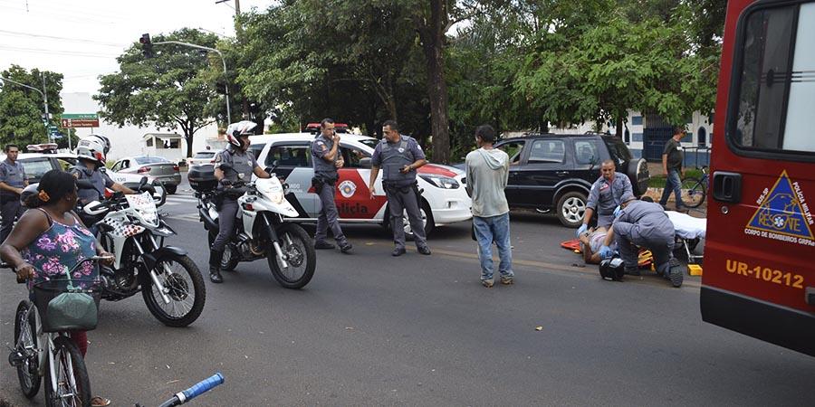 Motorista do carro não parou para prestar socorro à vítima (Foto: Manoel Moreno)