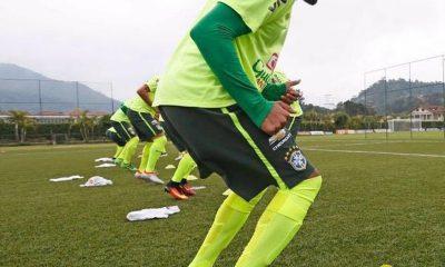 Lateral direito Matheus Viveiros durante treino na base da seleção brasileira — Foto: Divulgação/CBF