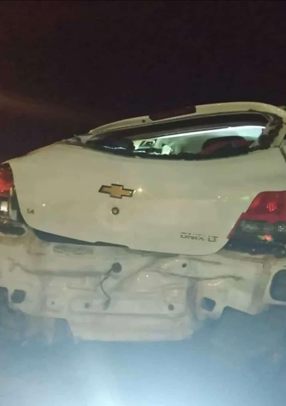 Carro capotou e uma pessoa morreu na vicinal que liga Mineiros do Tietê a Barra Bonita — Foto: Arquivo pessoal