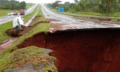 Trechos da Marechal Rondon (SP-300) foram fechados por conta da chuva em Botucatu — Foto: Arquivo pessoal