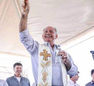 Padre Orestes Gomes, 64 anos (Foto: Facebook/Reprodução)