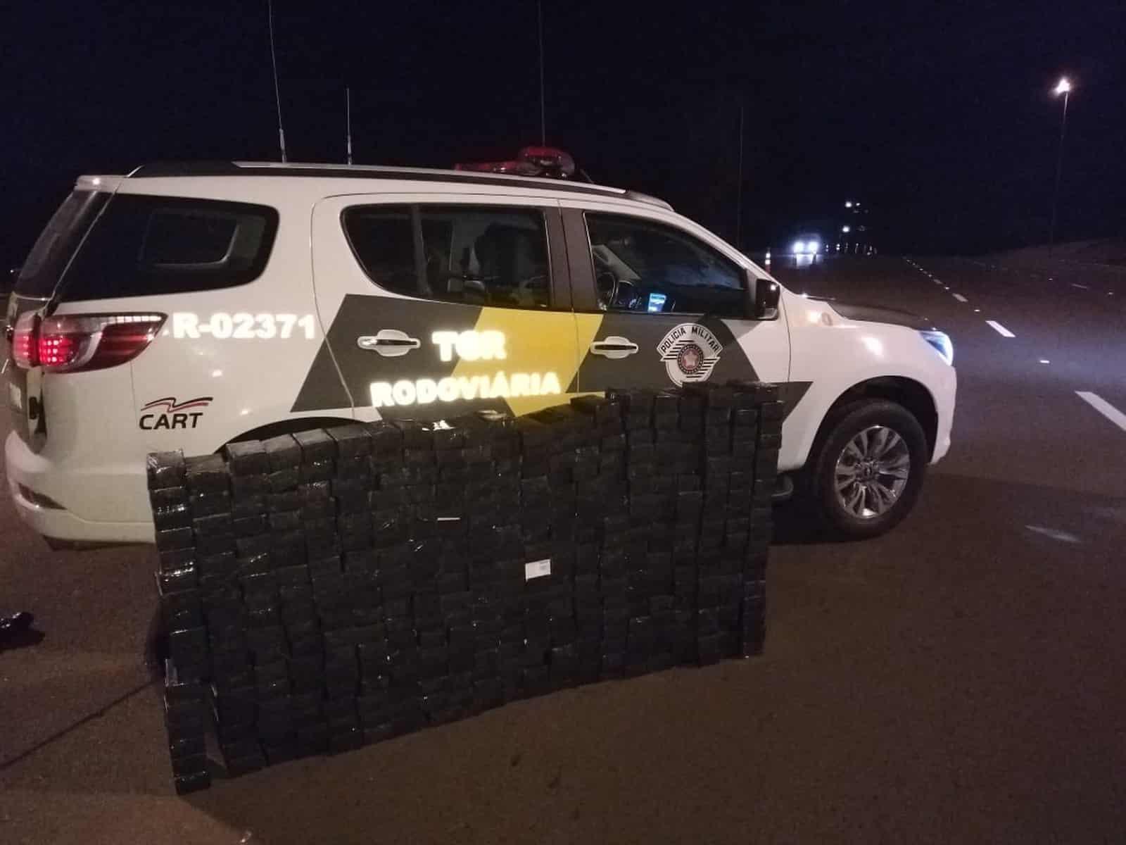 Polícia Rodoviária apreende mais de 300 celulares sem nota fiscal em caminhão na SP-225 — Foto: Polícia Rodoviária/Divulgação