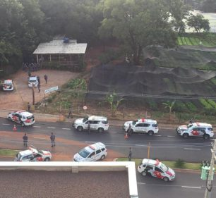 PM foi acionada e deslocou várias viaturas para o local do crime, na avenida Afonso José Aiello — Foto: Arquivo pessoal