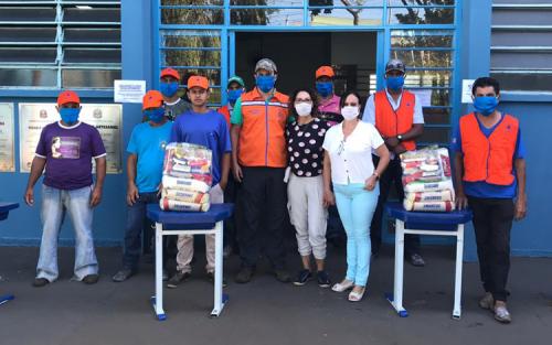Fundo Social e Defesa Civil iniciam entrega de cestas básicas (Foto: Departamento de Comunicação)