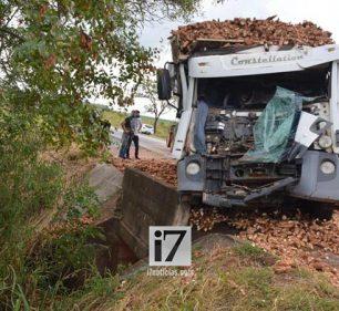 O acidente provocou congestionamento de cerca de 4 km (Foto: i7 Notícias)