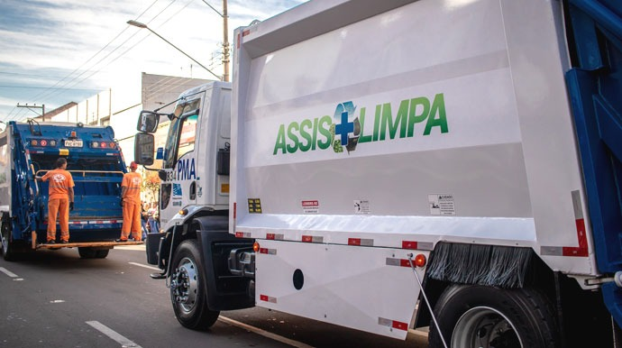 Coleta de lixo domiciliar é realizada diariamente em todos os bairros no período da manhã (Foto: Departamento de Comunicação)
