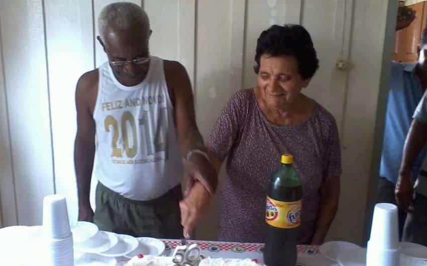 Alcides Albano Gomes e Maria de Lourdes de Souza Gomes quando completaram 50 anos de casados (Foto: Arquivo pessoal)