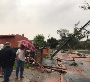 Um dos locais mais atingidos pelo temporal com fortes ventos foi Varpa, distrito de Tupã — Foto: Arquivo pessoal