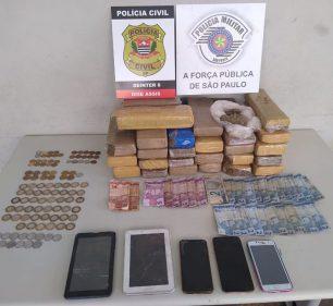 Dise apreende mais de 20kg de maconha e outros itens em sitio em Assis (Foto: Divulgação/Polícia Civil de Assis)
