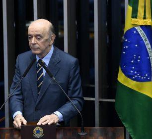 O senador José Serra (PSDB-SP) discursa no plenário do Senado Federal — Foto: Marcos Oliveira/Agência Senado