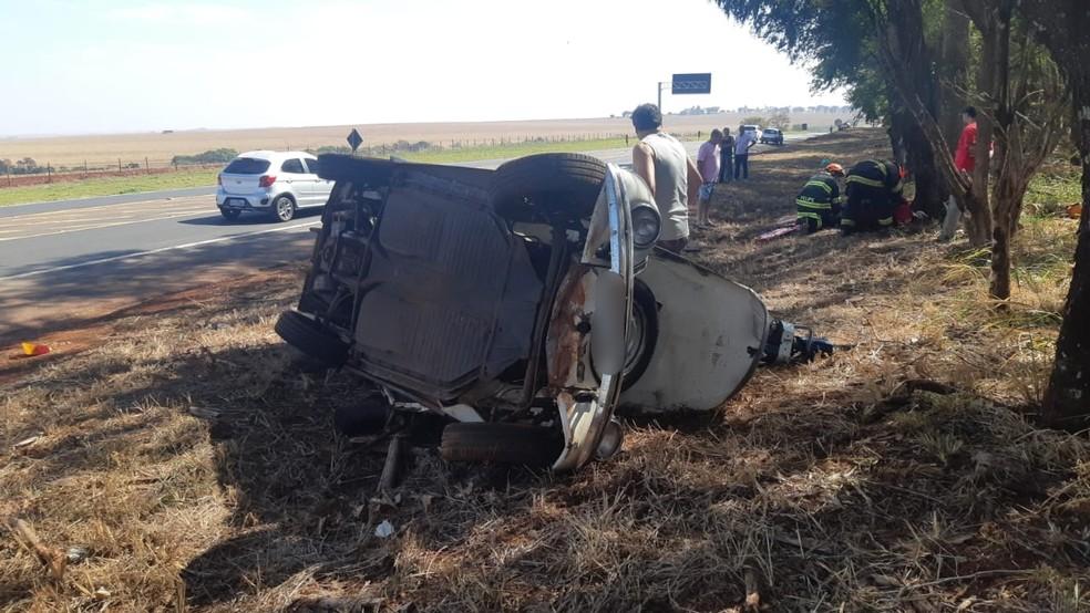 Acidente aconteceu neste domingo (9) na Rodovia Transbrasiliana (BR-153), em Ourinhos (SP) — Foto: Polícia Rodoviária Federal/Divulgação