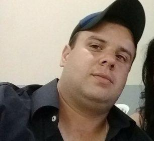Borracheiro Leonardo Roberto de Mattos Vaz morreu em acidente de trabalho um dia após completar 28 anos — Foto: Reprodução/Facebook