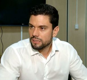 Prefeito Lucas Pocay (PSD) é alvo de ação civil por improbidade administrativa — Foto: TV TEM/Reprodução/Arquivo